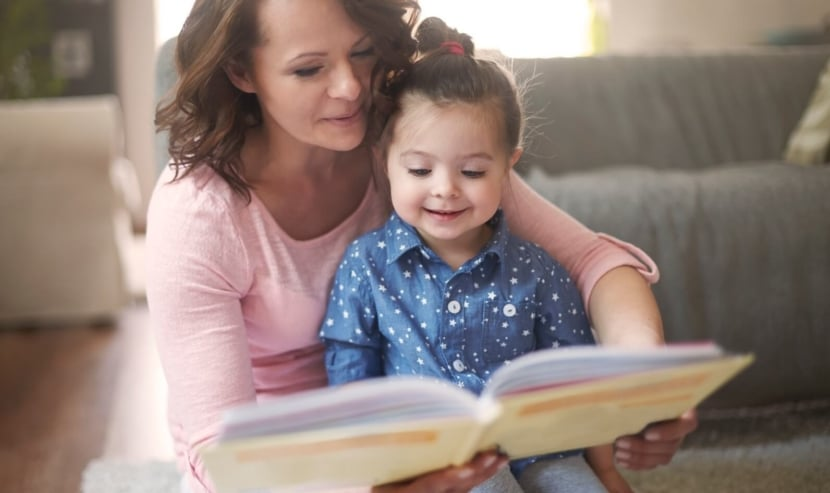 How Reading Aloud to Children Impacts their Emotional and Academic Development